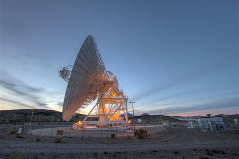 Space in Images - 2001 - 11 - DSN antenna