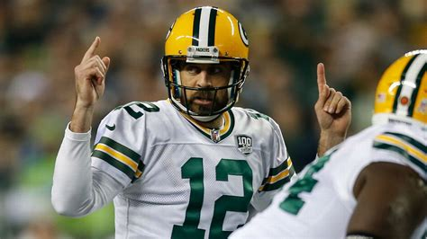 Aaron Rodgers of Green Bay Packers plots path to playoffs