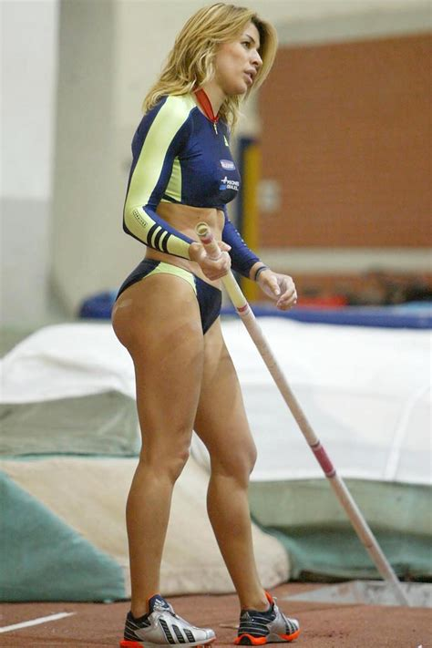 18 Amazing Pictures Of The Hottest Female Pole Vaulters