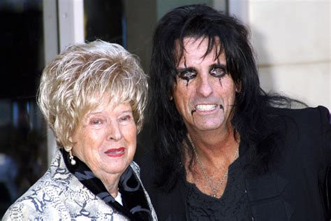Rock Stars with Their Moms – Photo Gallery